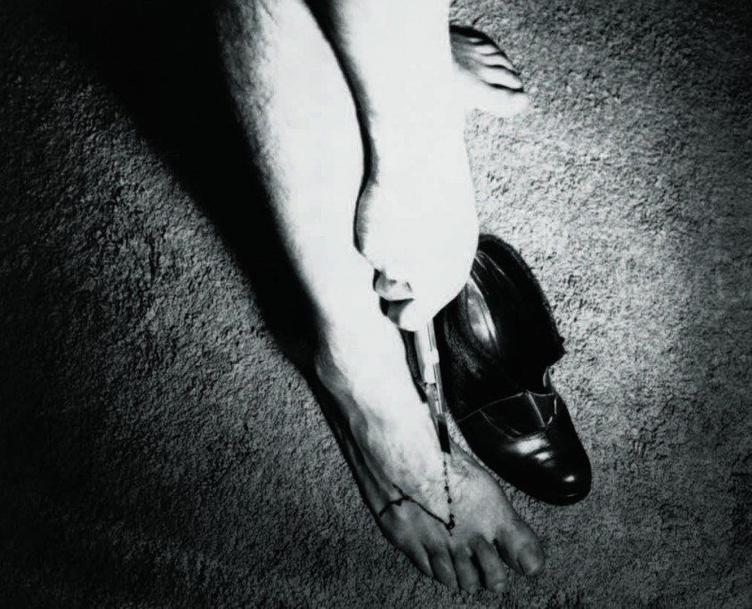 Ulay, Bene Agere (In Her Shoes), 1974. Courtesy of the artist.
