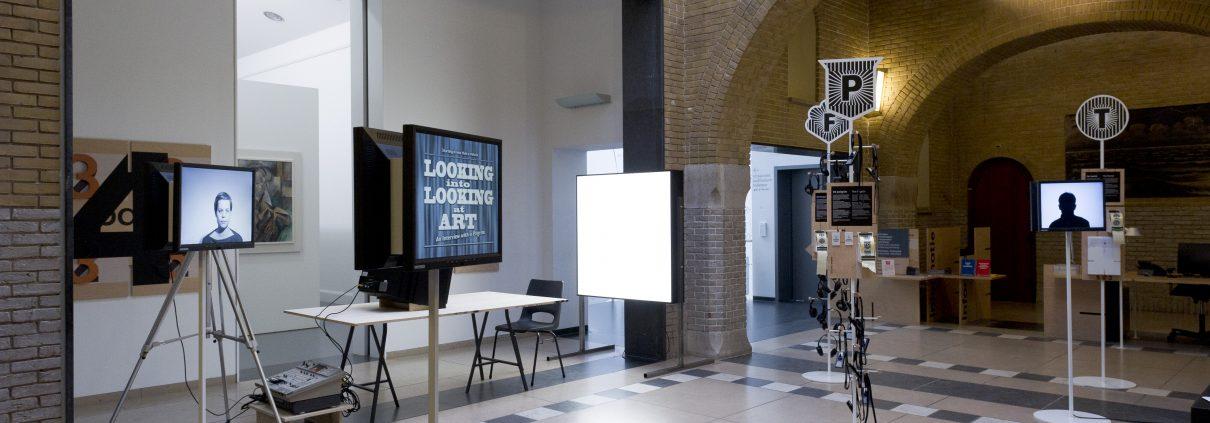 Corner Exhibition Stands Still : Painting into a corner the pedagogic agenda the immersive